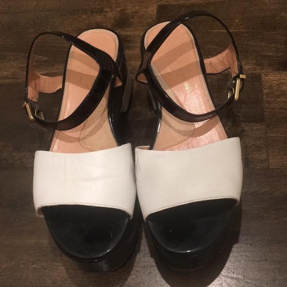 3190a859648f Robert Clergerie black   white sandals